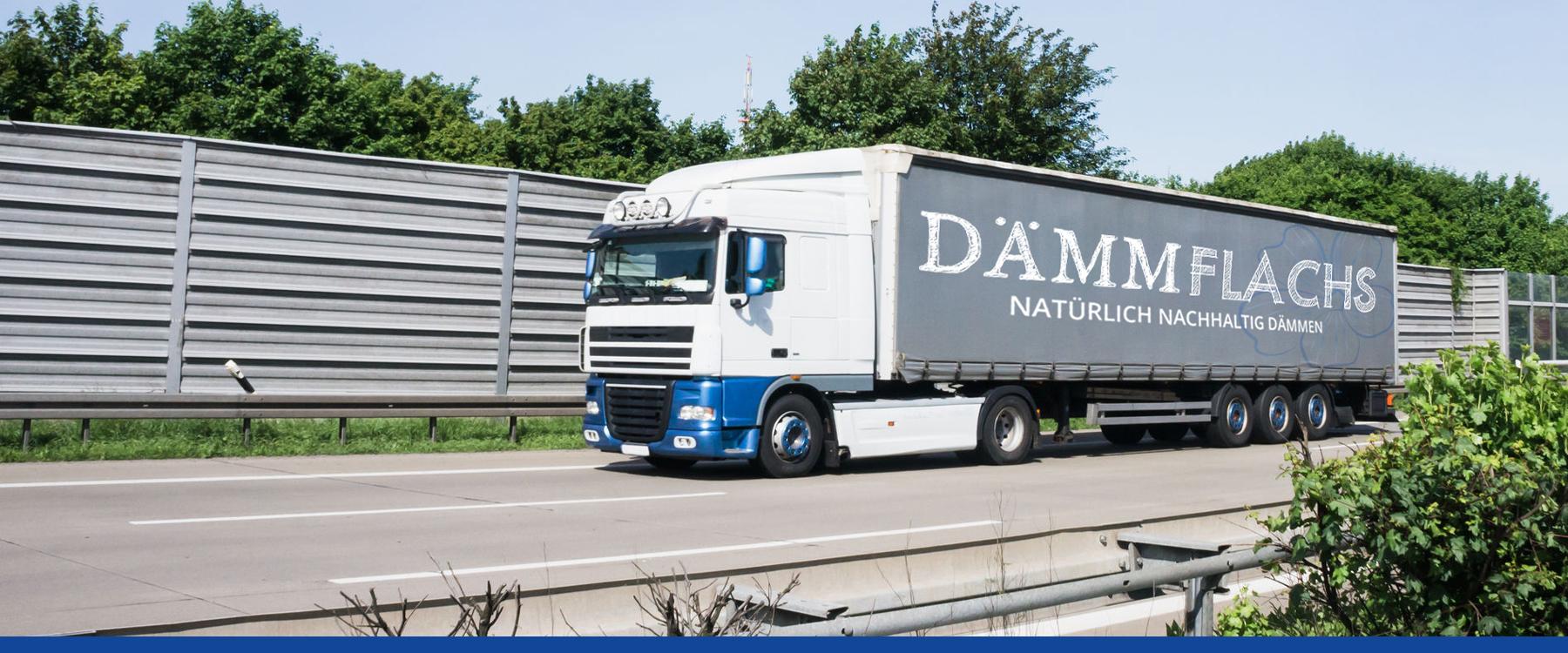 """Bild von einem LKW mit der Aufschrift """"Dämmflachs"""""""